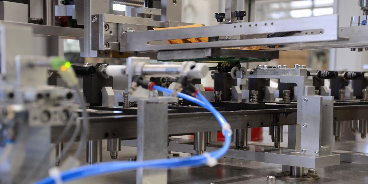 Siebdruck Maschine blauer Schlauch